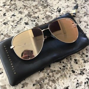 Quay sunglasses with soft leather case.